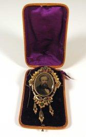 John & Ella Morgan Brooch, ca. 1870. Gift of Harold Field Worthley